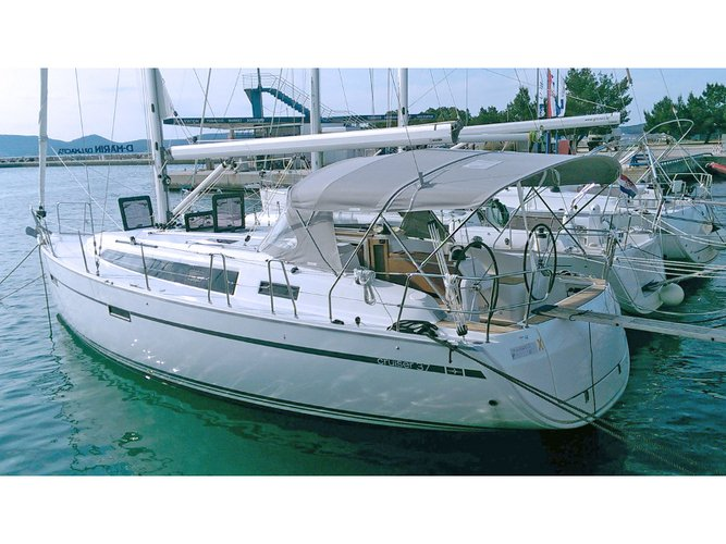 Sail the beautiful waters of Sukošan on this cozy Bavaria Yachtbau Bavaria 37
