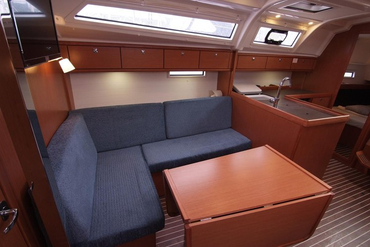 Bavaria Cruiser 33 - Maestral