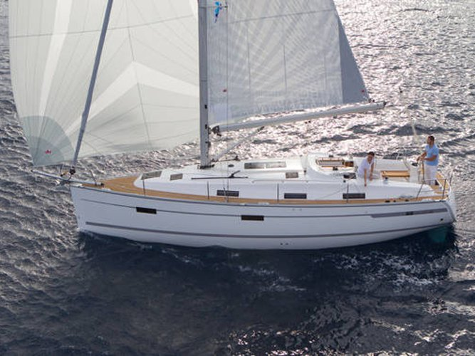 Jump aboard this beautiful Bavaria Yachtbau Bavaria Cruiser 36