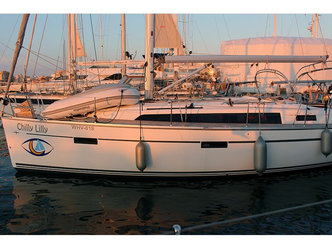 Take this Bavaria Yachtbau Bavaria Cruiser 37 6 for a spin!