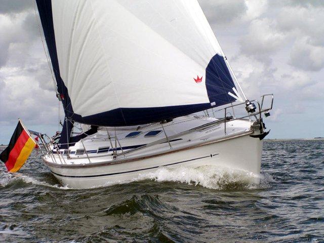 Sail the beautiful waters of Göteborg on this cozy Bavaria Yachtbau Bavaria 41