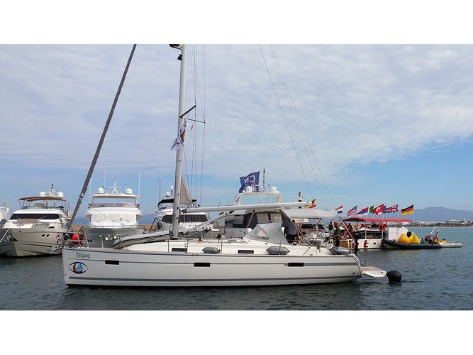 Enjoy luxury and comfort on this Bavaria Yachtbau Bavaria Cruiser 40 in El Arenal