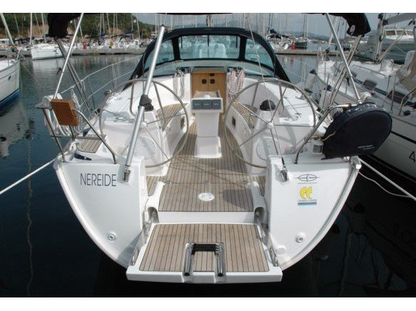 Get on the water and enjoy Portisco in style on our Bavaria Yachtbau Bavaria 40 C