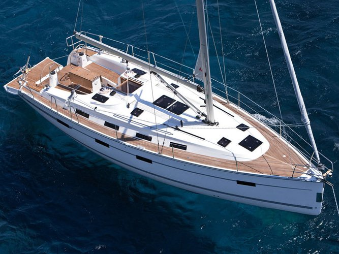 Discover Lemmer in style boating on this sailboat rental