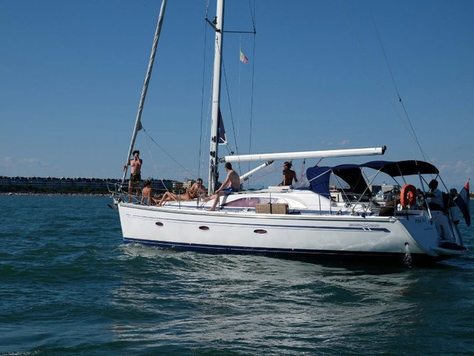 Get on the water and enjoy Sukošan in style on our Bavaria Yachtbau Bavaria 40 Vision