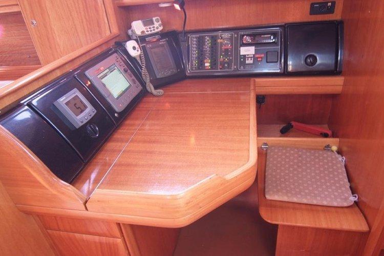 Bavaria 42 Cruiser - Lupa. Garant Charter, Marina Punat