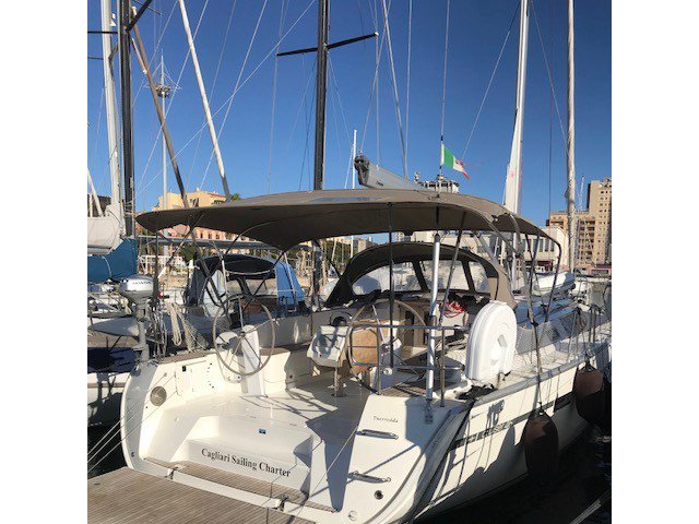 Explore Cagliari on this beautiful sailboat for rent