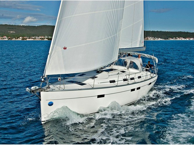 This sailboat charter is perfect to enjoy Sukošan