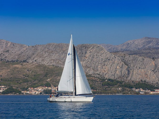 Charter this amazing Bavaria Yachtbau Bavaria 49 in Split, HR