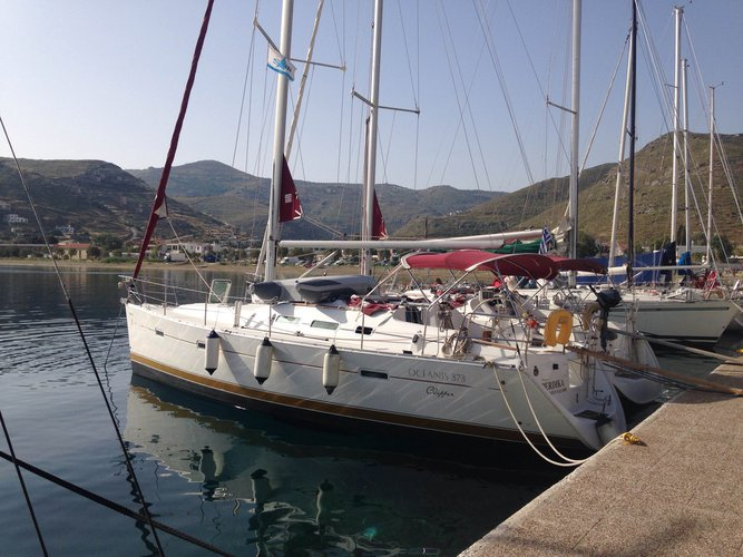 Enjoy luxury and comfort on this Beneteau Oceanis 373 Clipper in Athens
