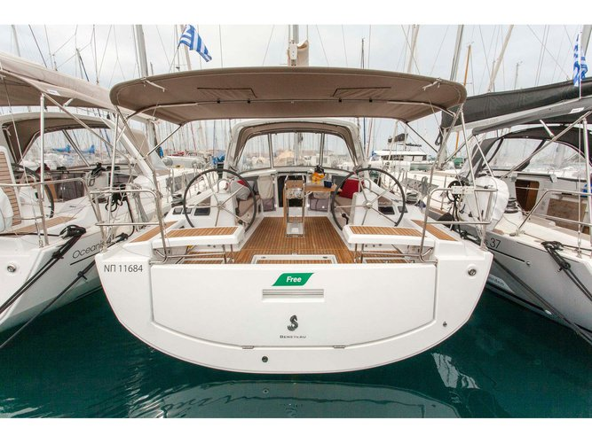 Charter this amazing Beneteau Oceanis 41.1 in Lefkada, GR