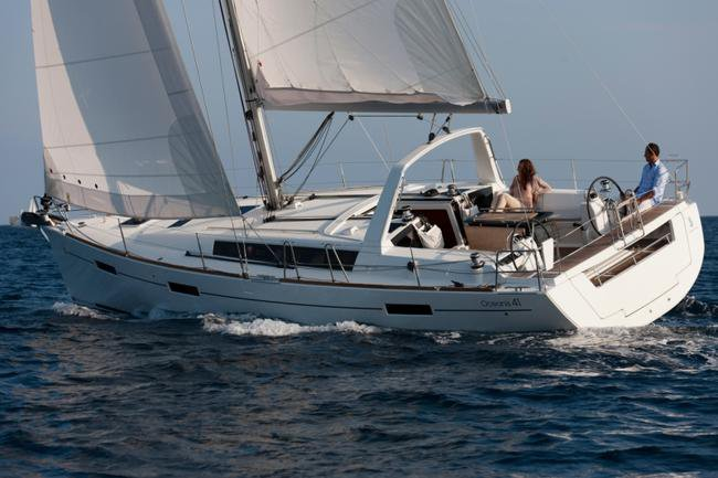 All you need to do is relax and have fun aboard the Beneteau Oceanis 41.1