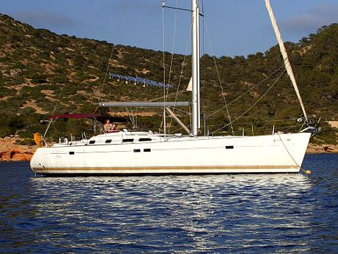 Enjoy luxury and comfort on this Beneteau Oceanis 473 in Palma de Mallorca