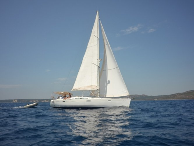 Experience Saint-Mandrier-sur-Mer on board this elegant sailboat