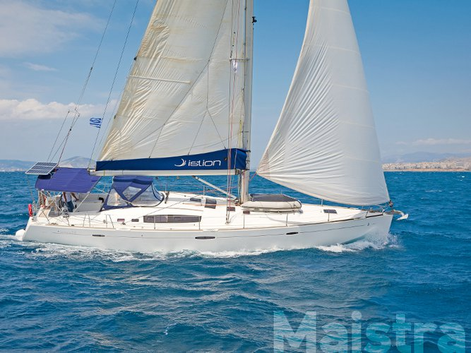 Beautiful Beneteau Oceanis 54 ideal for sailing and fun in the sun!