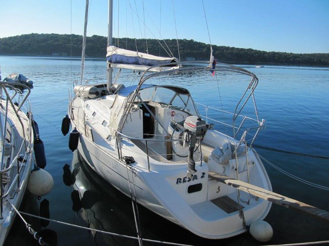 Relax on board our sailboat charter in Mali Lošinj