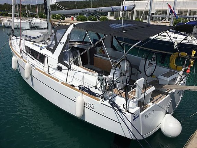 Rent this Beneteau Oceanis 35 for a true nautical adventure