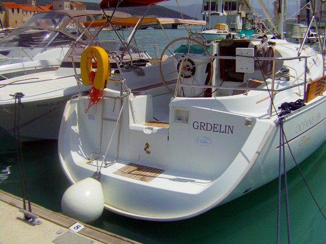 Sail Trogir, HR waters on a beautiful Beneteau Beneteau Oceanis 331 Clipper