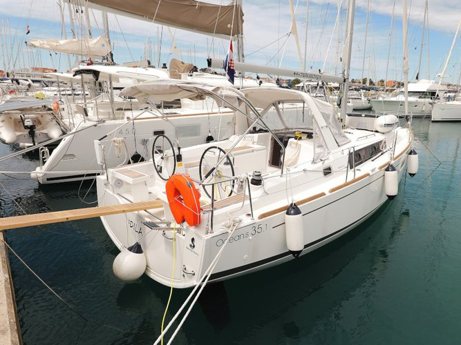 Enjoy luxury and comfort on this Beneteau Oceanis 35.1 in Sukošan
