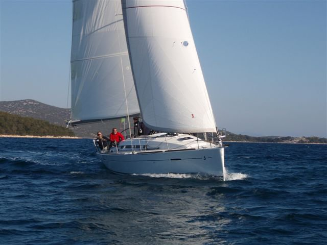 Enjoy Murter, HR to the fullest on our comfortable Beneteau First 35