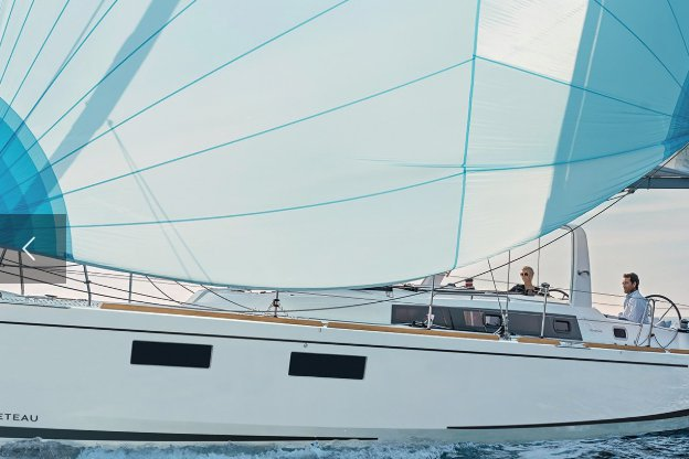 luxury catamarans, yacht charter, sailboat charter, Captained, Sail