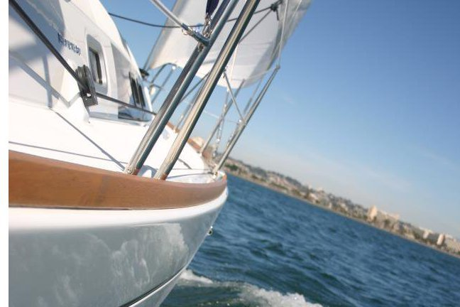 This 40.0' Beneteau cand take up to 10 passengers around San Diego