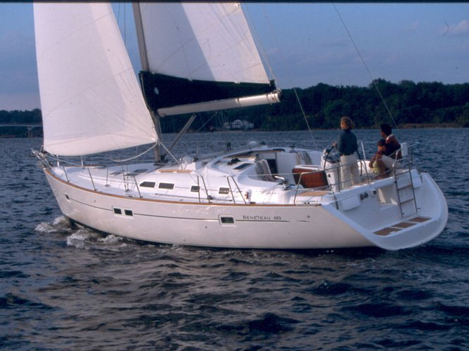 Enjoy luxury and comfort on this Beneteau Oceanis 423 in Punta Ala