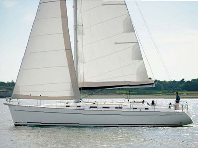 Beautiful Beneteau Beneteau Cyclades 43.4 ideal for sailing and fun in the sun!