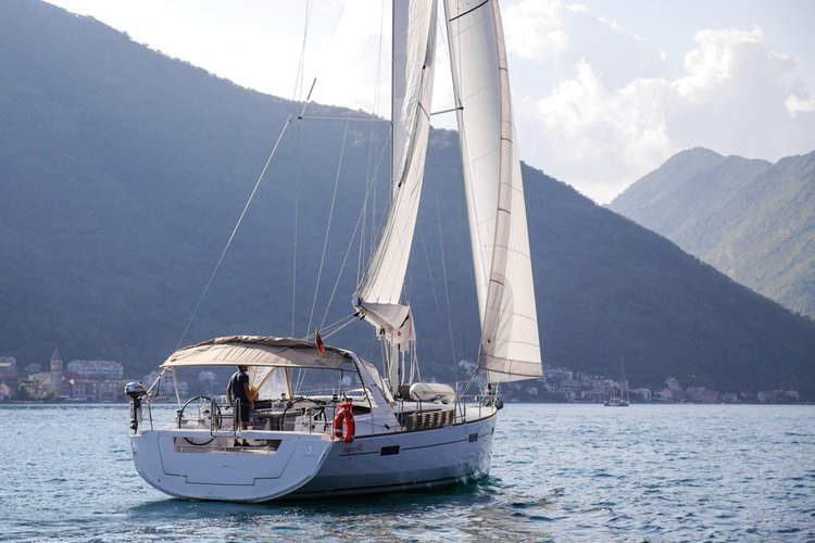 Beneteau boat for rent in Tivat