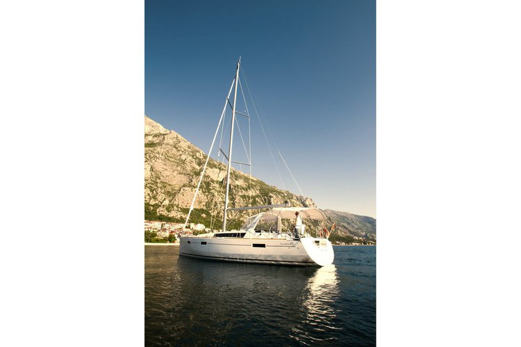 Discover Tivat surroundings on this Oceanis 45 Beneteau boat