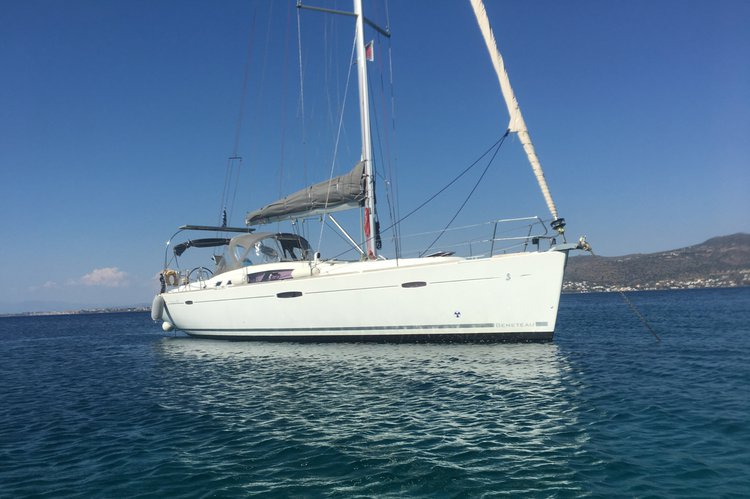 Boat rental in Alimos,