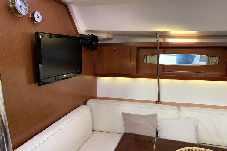 Beneteau's 46.0 feet in Alimos