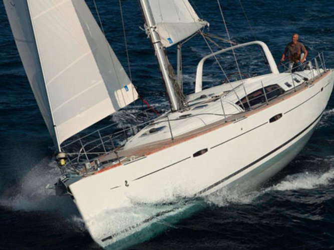 The perfect boat to enjoy everything Pula, HR has to offer