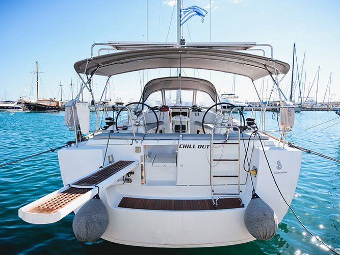 All you need to do is relax and have fun aboard the Beneteau Oceanis 54