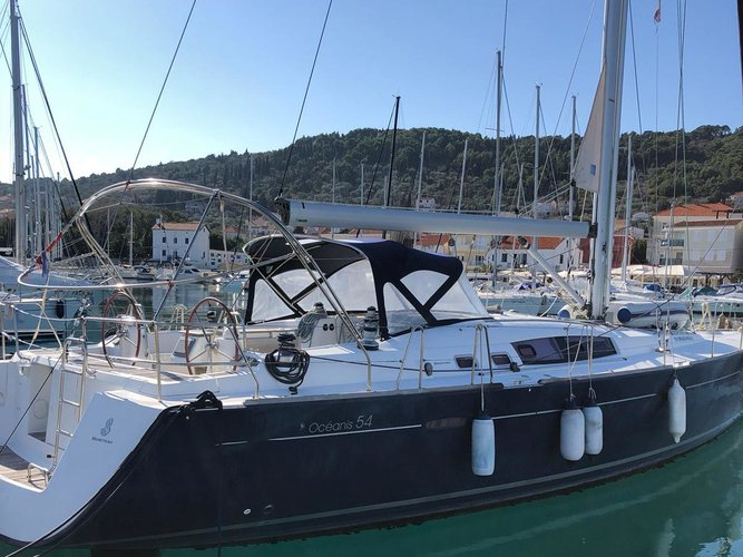 Explore Zadar on this beautiful sailboat for rent