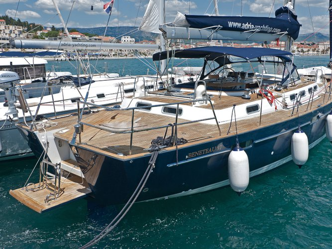 Beautiful Beneteau Beneteau 57 ideal for sailing and fun in the sun!