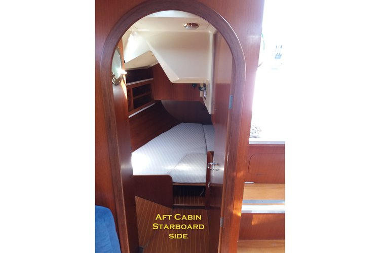 This 42.0' COMAR cand take up to 7 passengers around Split