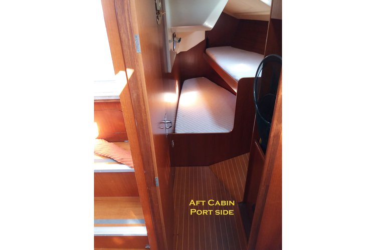 Cruiser racer boat rental in Split, Croatia