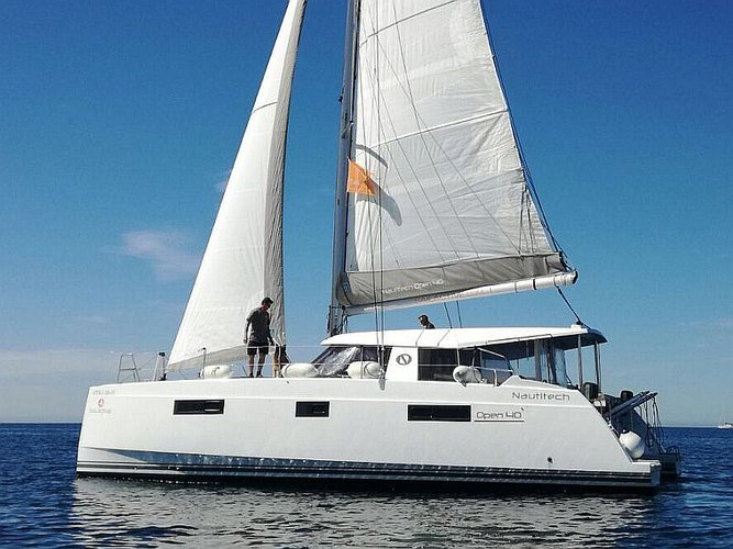 Climb aboard this Catamarans Nautitech Nautitech Open 40 for an unforgettable experience