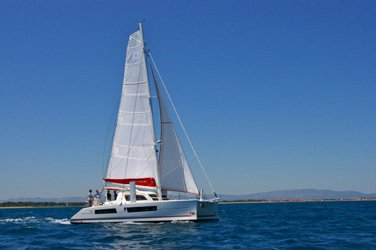 Catamaran boat for rent in Raiatea