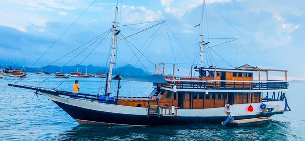 Experience Komodo on board this elegant sail boat