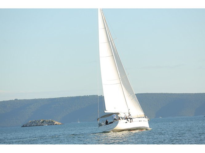 Enjoy Trogir, HR to the fullest on our comfortable D&D Yachts D&D Kufner 54.2