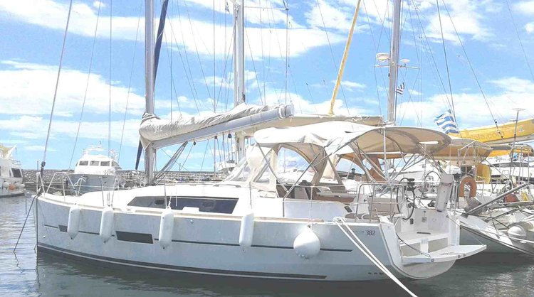 Unique experience on this beautiful Dufour Yachts Dufour 382 GL