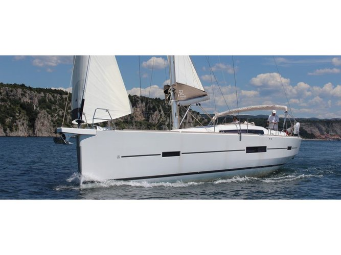 Enjoy luxury and comfort on this Furnari sailboat charter