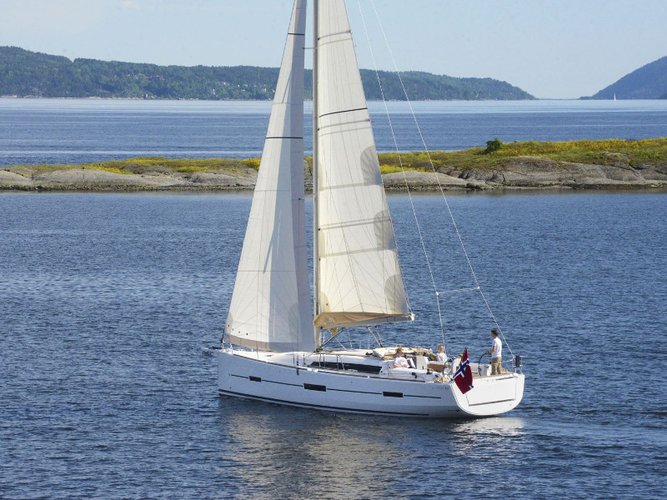 Experience Mali Lošinj on board this elegant sailboat