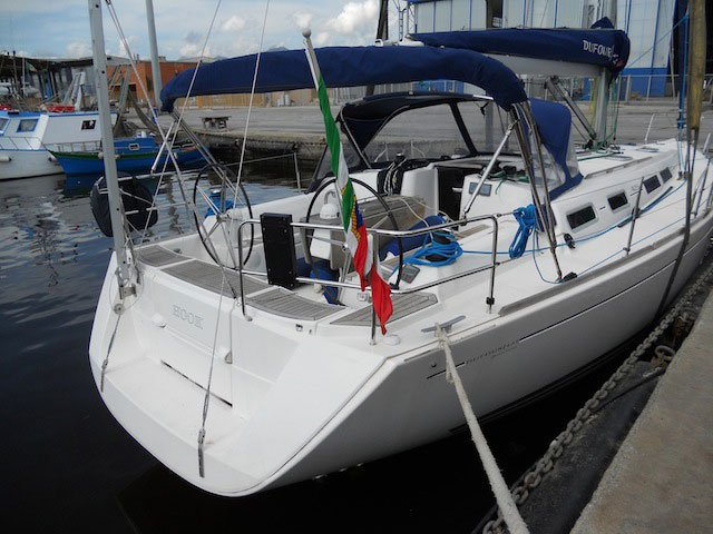 Hop aboard this amazing sailboat rental in Piombino!