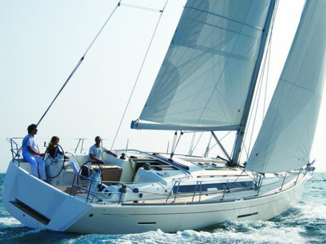 Jump aboard this beautiful Dufour Yachts Dufour 450 GL
