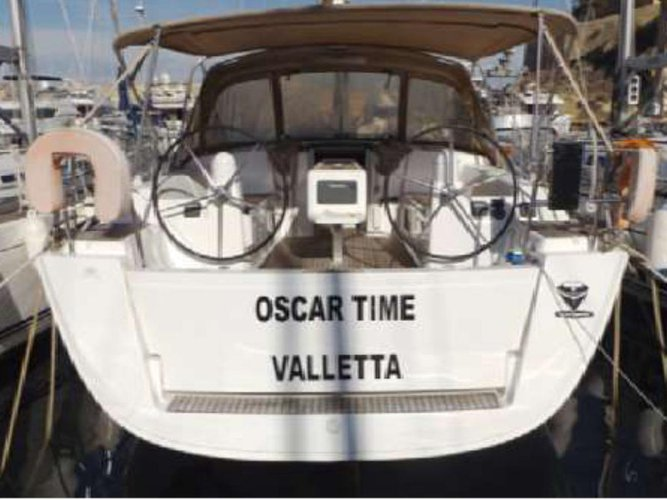 Hop aboard this amazing sailboat rental in Kalkara!