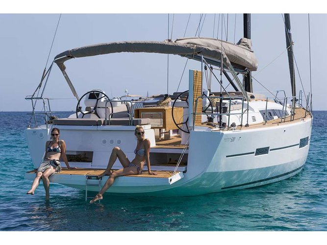 Relax on board our sailboat charter in La Spezia
