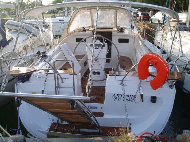 Charter this amazing Elan Elan 384 Impression in Kos, GR